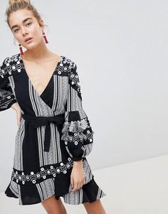 Короткое приталенное платье в полоску River Island - Черный