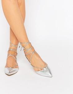 Серебристые кожаные туфли на плоской подошве с завязкой Carvela - Серебряный