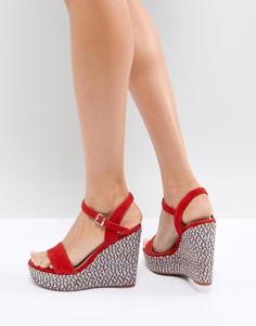 Красные туфли на танкетке с фактурным каблуком ALDO - Красный