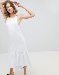 Платье макси со спинкой-борцовкой и асимметричной оборкой по краю ASOS DESIGN - Белый