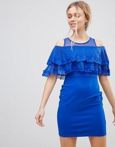Платье мини с открытыми плечами и оборкой Girls on Film - Синий