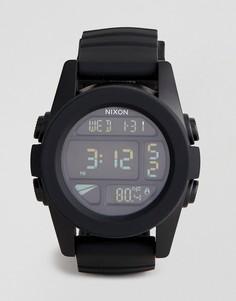 Черные цифровые часы с силиконовым ремешком Nixon A197 The Unit - Черный