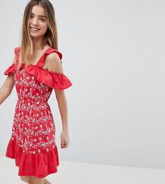 Сарафан с открытыми плечами и вышивкой ришелье ASOS PETITE - Красный