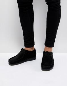 Черные замшевые туфли Clarks Originals - Черный
