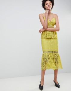 Кружевное платье-футляр с баской ASOS DESIGN - Желтый