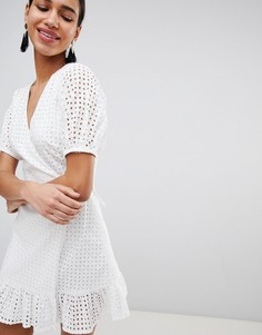 Платье с запахом и вышивкой ришелье Fashion Union - Белый