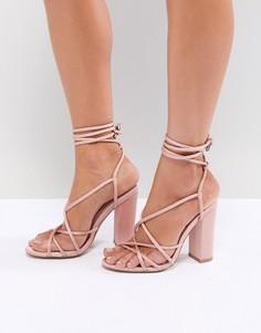 Босоножки на блочном каблуке с ремешками Missguided - Розовый