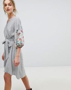 Платье в полоску с запахом и вышивкой RD & Koko - Мульти