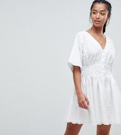 Чайное платье с вышивкой ASOS PETITE - Белый