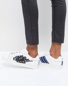 Кожаные кроссовки со спортивными полосками и декоративной отделкой Carvela - Белый
