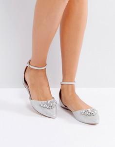 Туфли на плоской подошве с заостренным носком и отделкой камнями Ravel - Серебряный