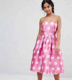 Структурированное платье-бандо миди в горошек Chi Chi London Petite - Розовый