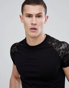 Черная облегающая футболка с контрастными кружевными рукавами ASOS DESIGN - Черный