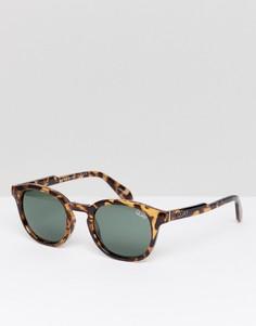 Круглые солнцезащитные очки в черепаховой оправе Quay Australia Walk On - Коричневый
