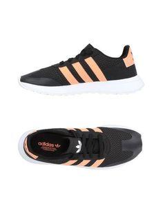 Женские низкие кеды и кроссовки Adidas