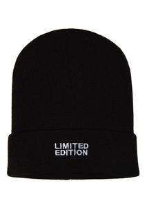 Черная шапка с вышивкой Artem Krivda