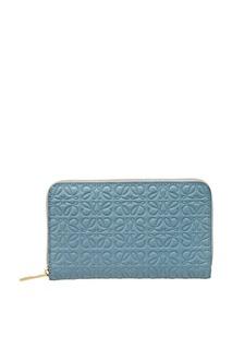 Голубой кошелек с тиснением Loewe
