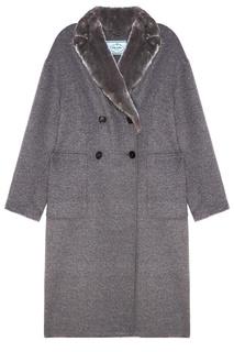 Серое двубортное пальто с меховым воротником Prada