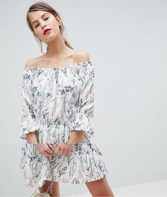 Короткое приталенное платье с цветочным принтом и оборкой Vila - Мульти