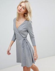 Трикотажное платье с запахом Vero Moda - Серый
