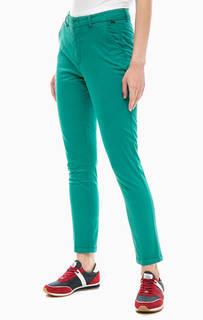 Хлопковые брюки чиносы зеленого цвета Lion of Porches