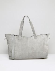 Замшевая сумка с эффектом крокодиловой кожи ASOS - Серый