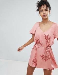 Пляжное платье с цветочным принтом Billabong - Розовый