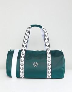Зеленая спортивная сумка Fred Perry - Зеленый