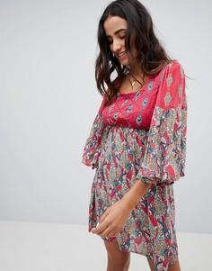 Платье с расклешенными рукавами и принтом Raga Alice - Красный