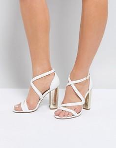 Босоножки с перекрестными ремешками и блочным каблуком металлик Miss KG - Белый