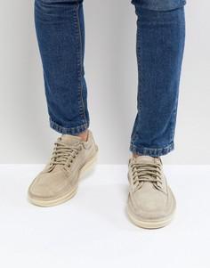 Замшевые туфли на шнуровке Clarks Originals Oswyn - Светло-бежевый