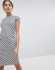 Платье в горошек с короткими рукавами и завязывающимся сзади поясом Closet London - Мульти