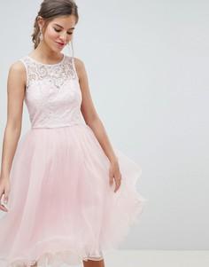 Платье для выпускного из тюля с кружевным лифом Chi Chi London - Розовый