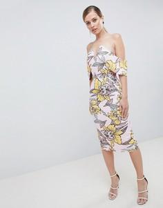 Платье-бандо миди с глубоким вырезом и принтом Lavish Alice - Мульти