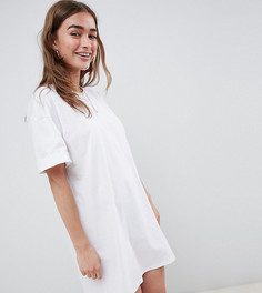 Платье-футболка с отворотами на рукавах ASOS DESIGN Petite - Белый