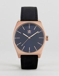 Часы с черным кожаным ремешком Adidas Z05 Process - Черный