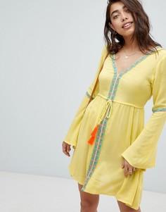 Желтое пляжное платье с глубоким вырезом и вышивками Anmol - Желтый