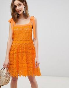 Кружевное платье с завязывающимися бретельками Vero Moda - Оранжевый