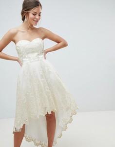 Платье для выпускного из премиум-кружева с асимметричным краем Chi Chi London - Кремовый