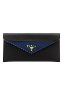 Кожаный клатч с цветной вставкой Prada