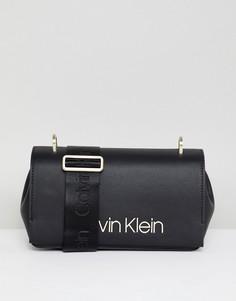 Сумка на плечо с широким ремешком Calvin Klein - Черный
