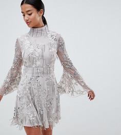 Короткое приталенное платье с отделкой пайетками и бахромой ASOS EDITION Petite - Серый