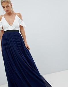 Платье макси с кружевным верхом и контрастной юбкой Rare - Темно-синий