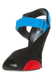 Женские сандалии и босоножки Prada – купить в интернет-магазине в ... b1b8a3898b7