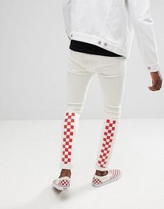 Белые джинсы скинни с красным шахматным принтом ASOS DESIGN - Синий