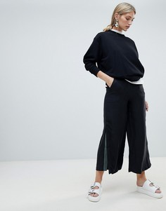 Native Youth wide leg trouser with contrast flared panel - Черный