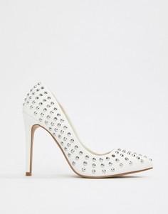 Остроносые туфли на каблуке с заклепками ASOS DESIGN - Белый