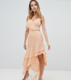 Асимметричное платье макси с оборкой и вышивкой ришелье ASOS DESIGN Petite - Желтый