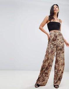 Расклешенные брюки с леопардовым принтом Missguided - Мульти