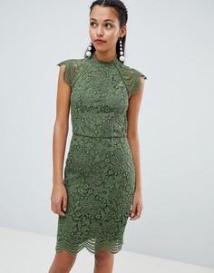 Кружевное платье-футляр с фигурными краями Chi Chi London - Зеленый